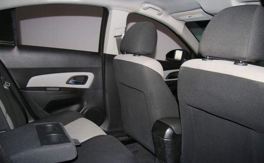 2012 Chevrolet Cruze LS A/C GR ELECT #18