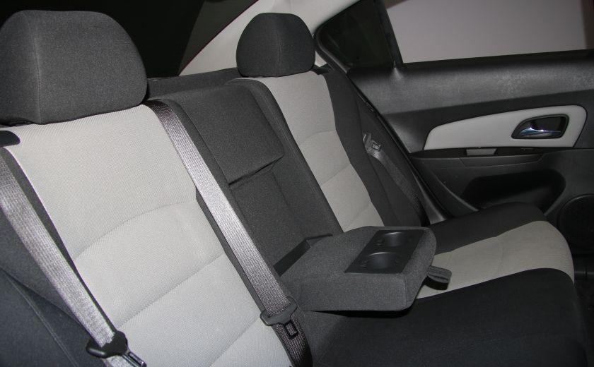 2012 Chevrolet Cruze LS A/C GR ELECT #19