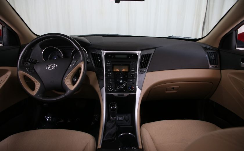 2013 Hyundai Sonata GL #10