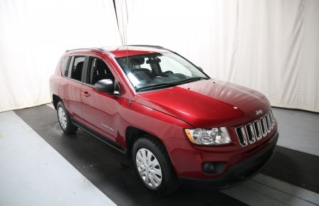 2011 Jeep Compass North Edition 4X4 AUTO A/C GR ELECT MAGS à Repentigny