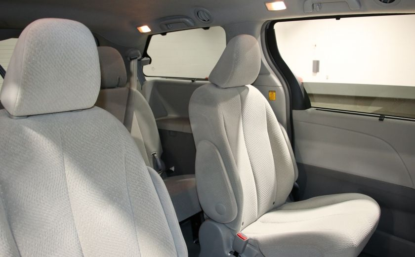 2013 Toyota Sienna LE AWD AUTO A/C MAGS BLUETOOTH 7 PASS #22