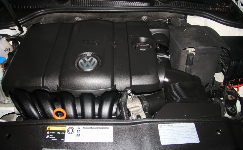 2013 Volkswagen Golf AUTO A/C GR ELECT MAGS #26