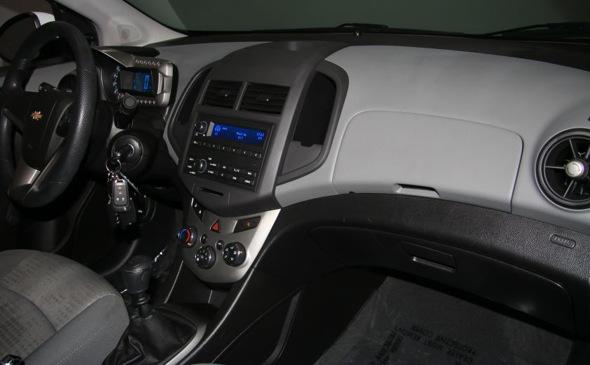 2013 Chevrolet Sonic LS A/C GR ELECT BLUETOOTH #19