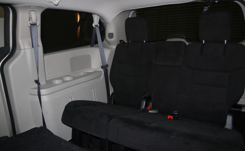 2016 Dodge GR Caravan SXT #18