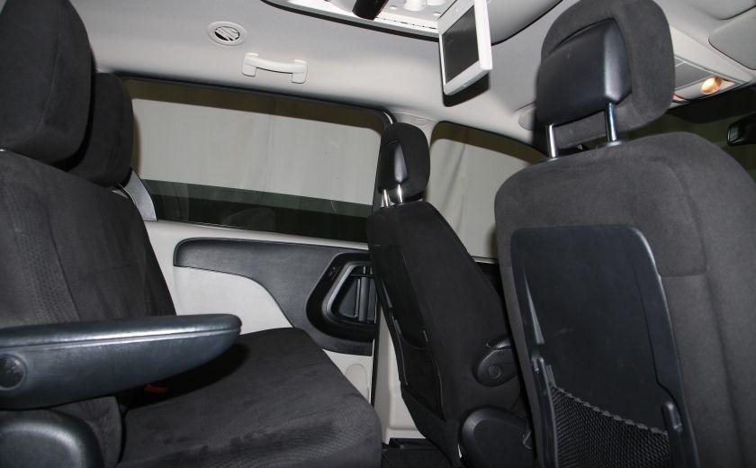 2016 Dodge GR Caravan SXT #19
