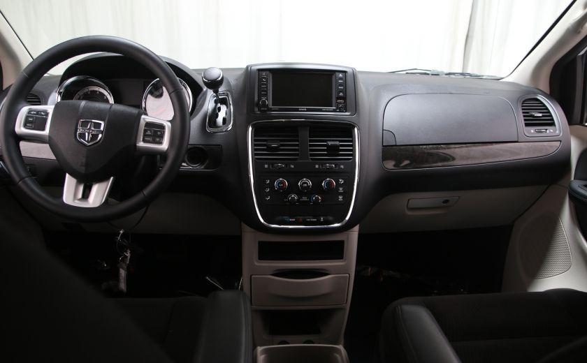 2016 Dodge GR Caravan SXT #9