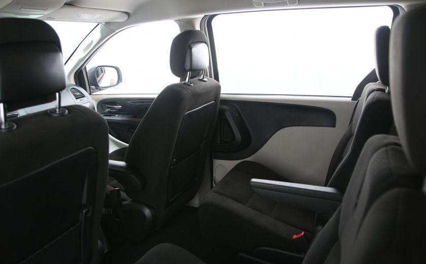 2016 Dodge GR Caravan SXT #12