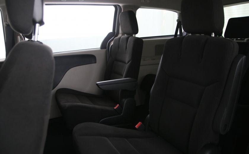 2016 Dodge GR Caravan SXT #13