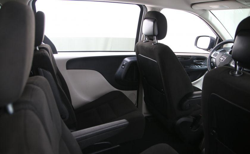 2016 Dodge GR Caravan SXT #15