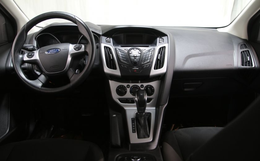 2014 Ford Focus SE #9