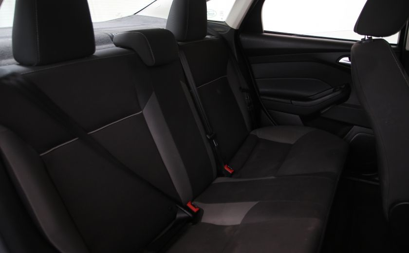 2014 Ford Focus SE #16