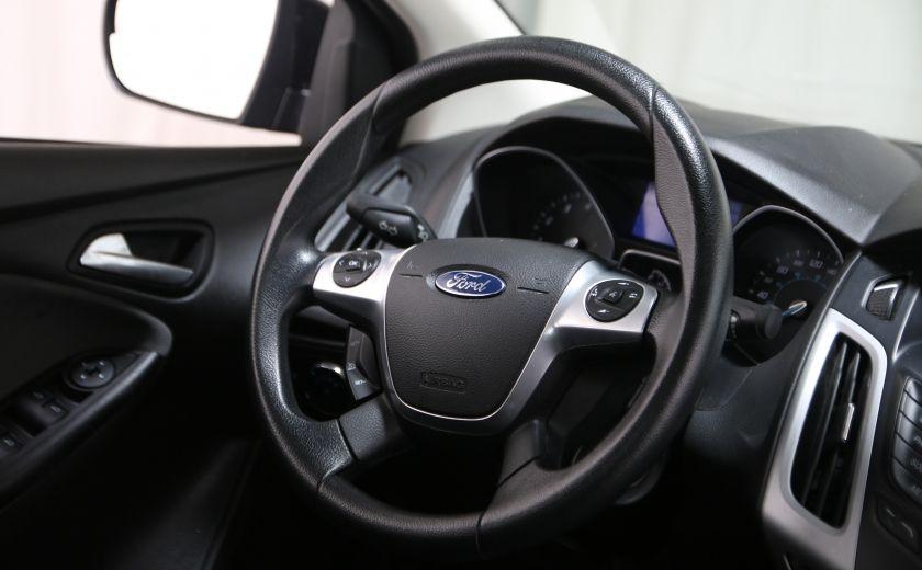 2014 Ford Focus SE #18