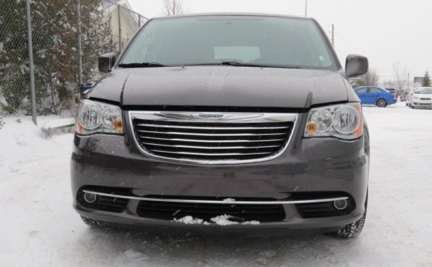 2016 Chrysler Town And Country Touring et DVD #27