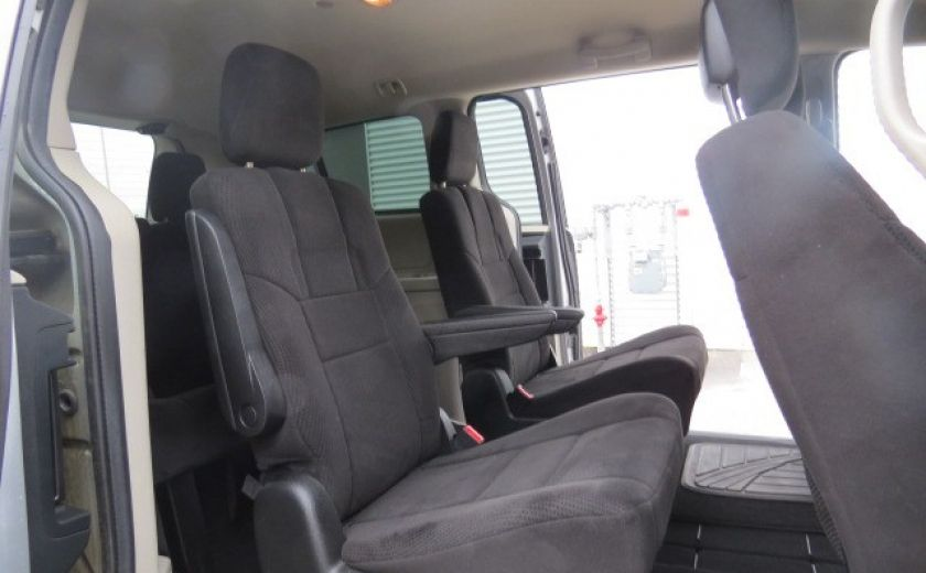 2012 Dodge GR Caravan SE STOW'N GO #9
