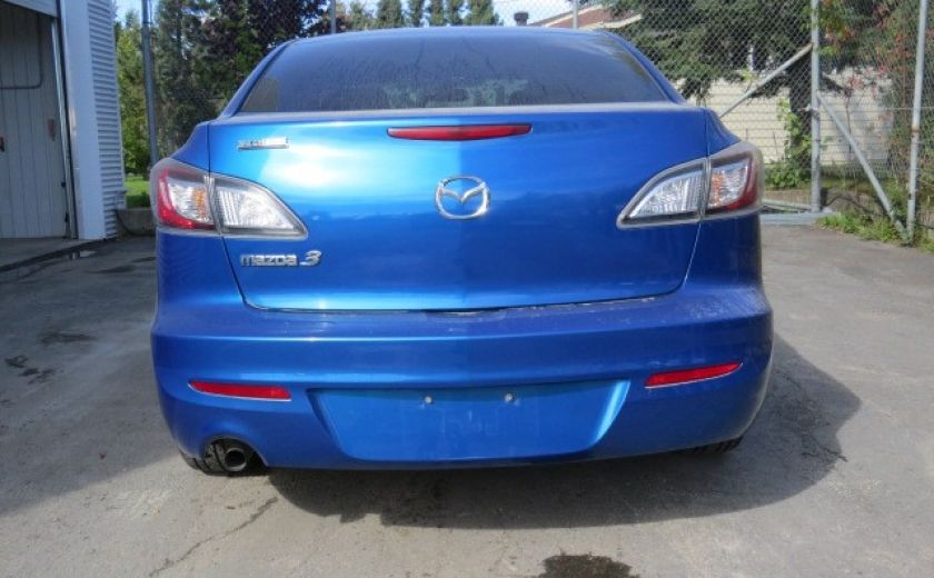 2012 Mazda 3 GX #9