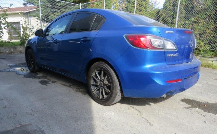 2012 Mazda 3 GX #10