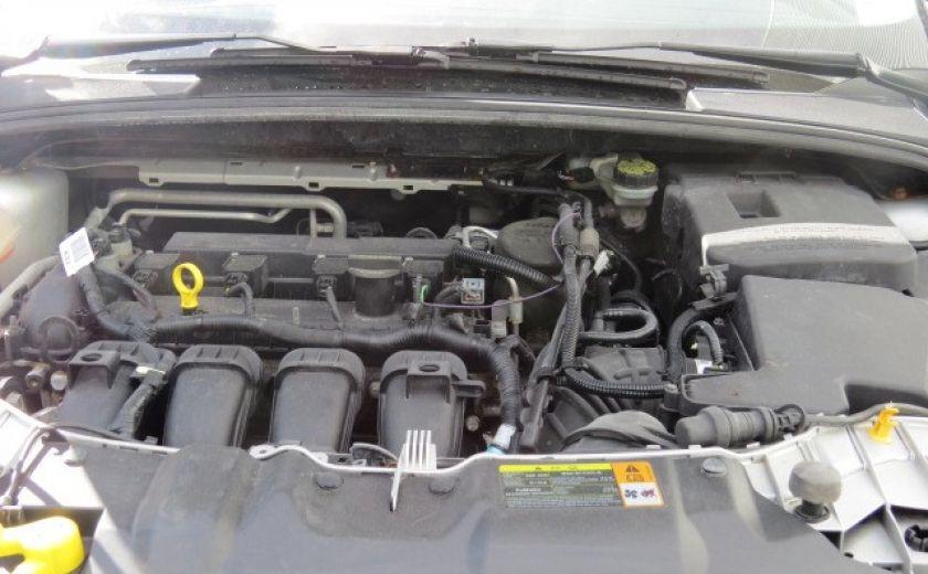 2012 Ford Focus SE et toit ouvrant #2