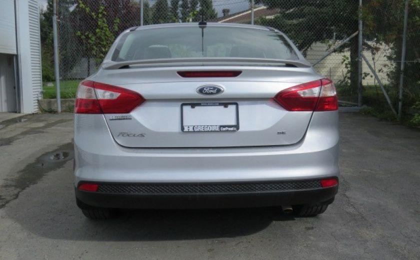 2012 Ford Focus SE et toit ouvrant #7