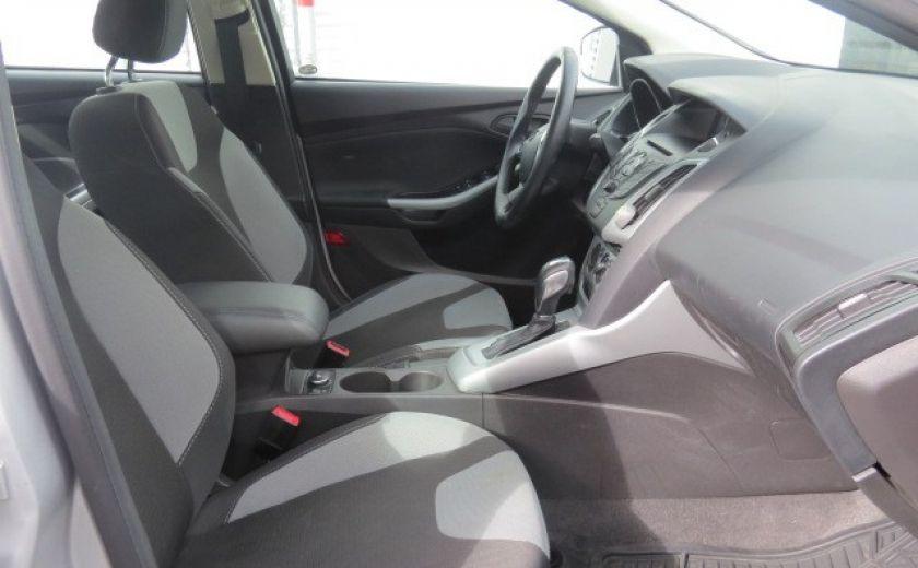 2012 Ford Focus SE et toit ouvrant #12