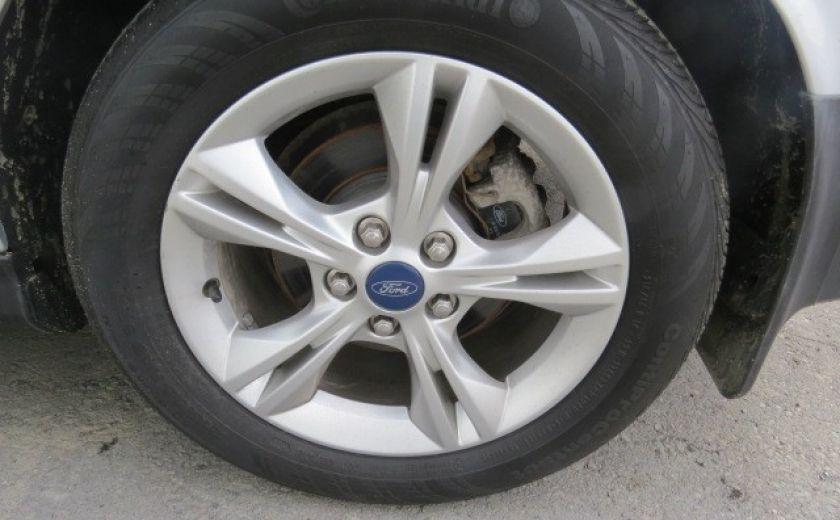 2012 Ford Focus SE et toit ouvrant #15