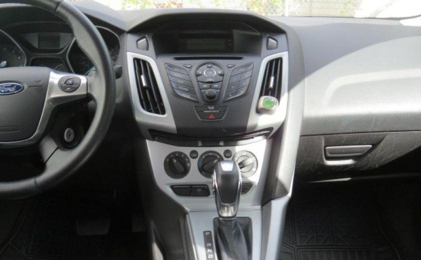 2012 Ford Focus SE et toit ouvrant #18