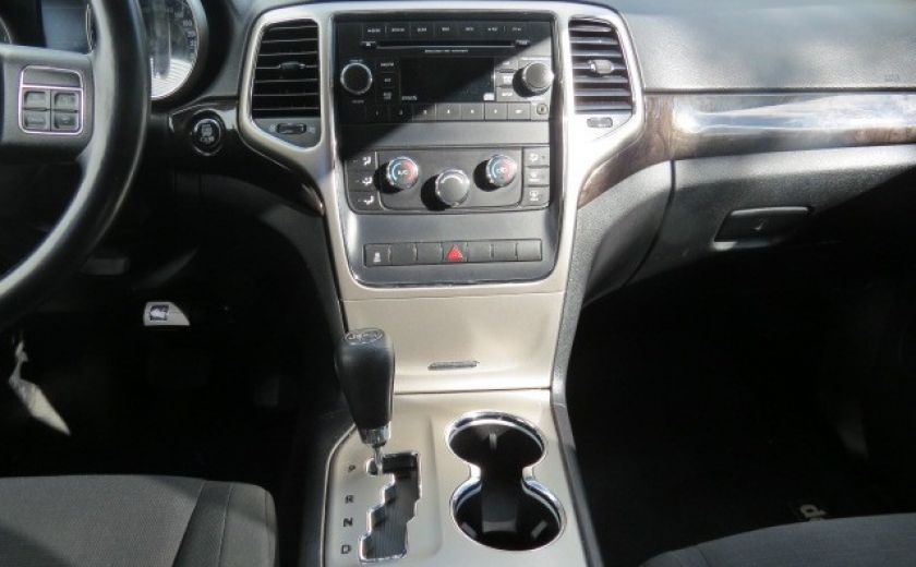2012 Jeep Grand Cherokee Laredo #15