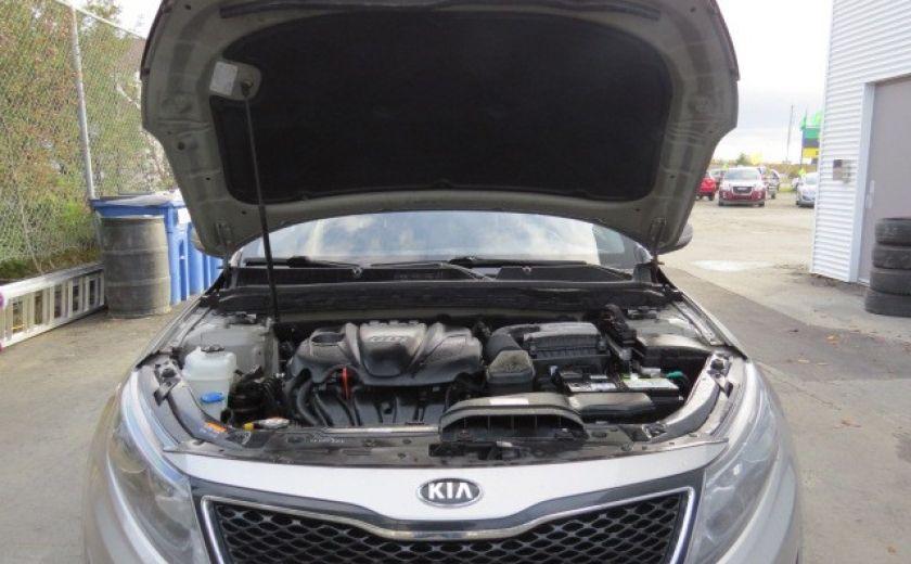 2014 Kia Optima lx   et 10 ans 200000 km sur le moteur #2
