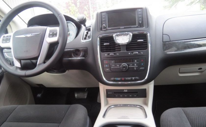 2016 Chrysler Town And Country Touring dvd camera de recul et bluetooth #19