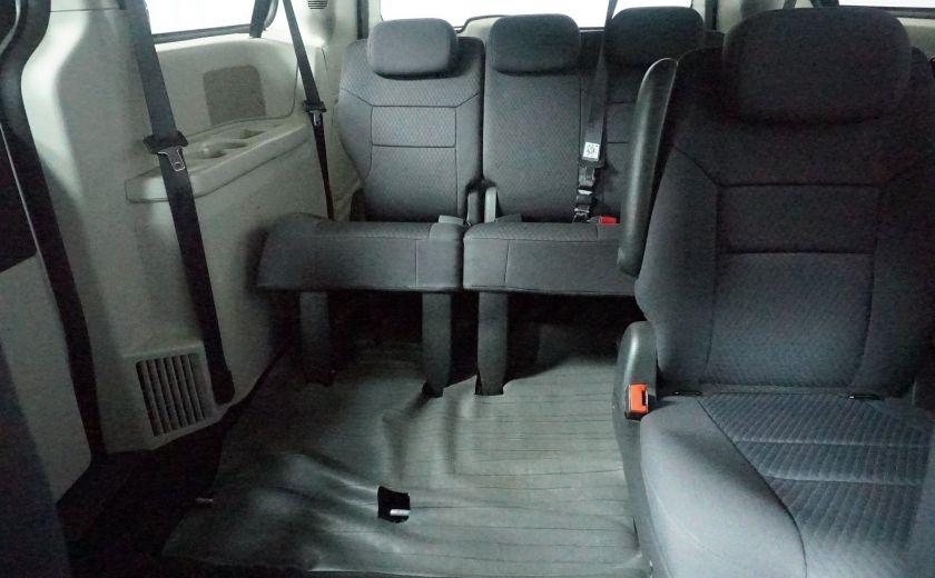 2010 Dodge GR Caravan SE #16