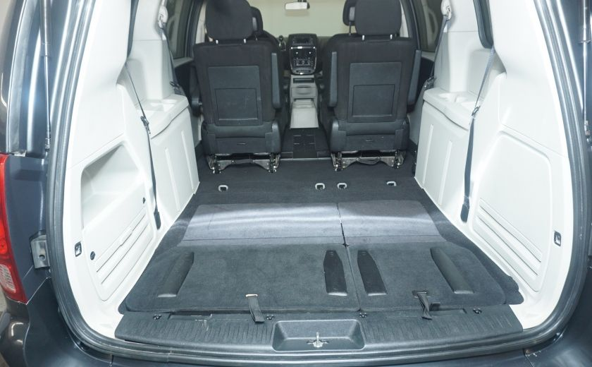 2011 Dodge GR Caravan SXT STOW AND GO #9