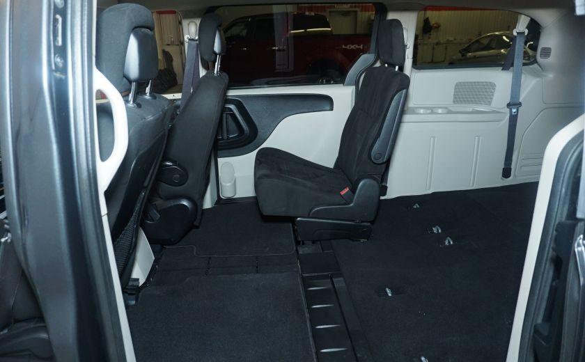 2011 Dodge GR Caravan SXT STOW AND GO #11