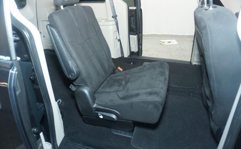 2011 Dodge GR Caravan SXT STOW AND GO #12