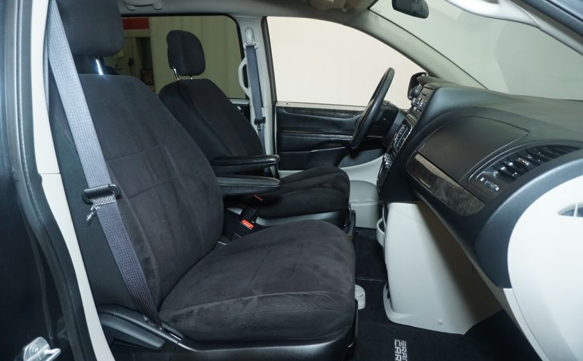 2011 Dodge GR Caravan SXT STOW AND GO #18