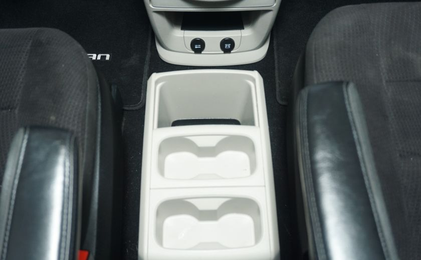 2011 Dodge GR Caravan SXT STOW AND GO #26