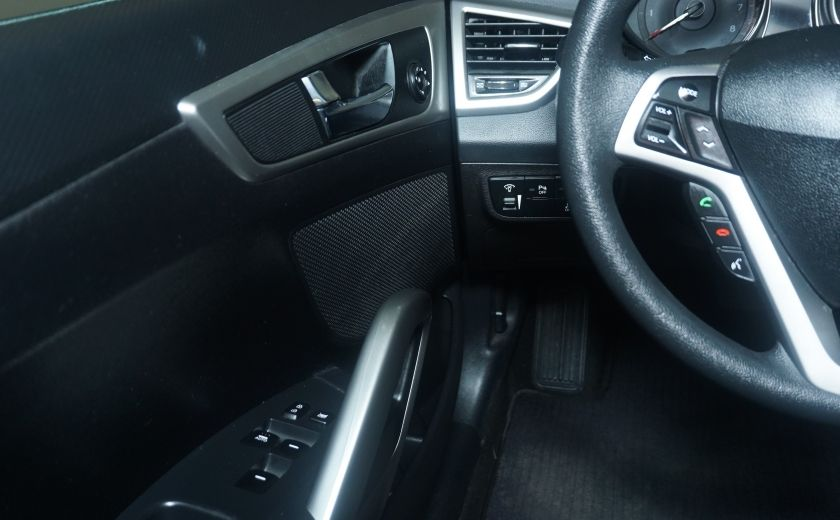 2014 Hyundai Veloster w/Tech #20