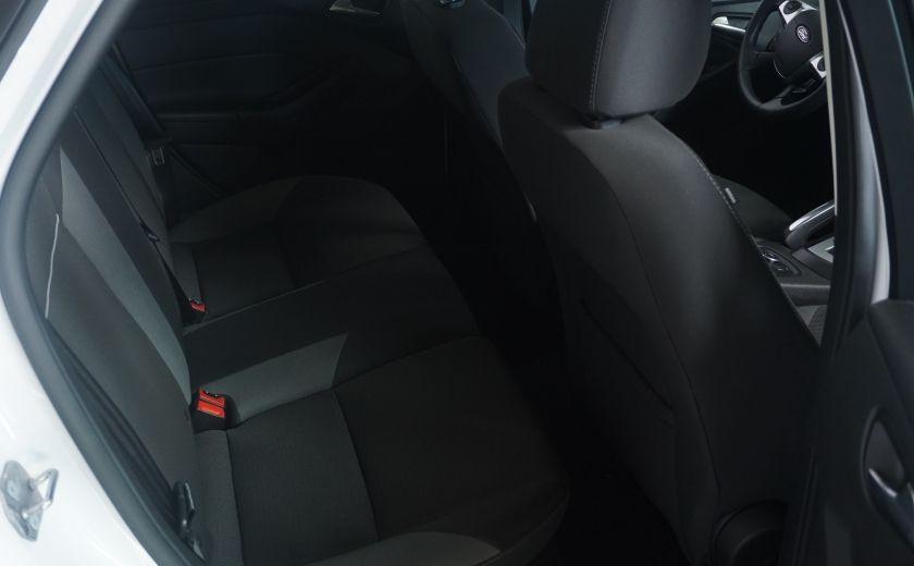 2013 Ford Focus SE #8