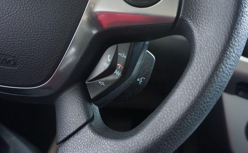 2013 Ford Focus SE #16
