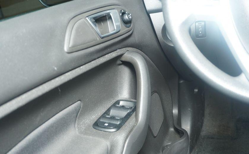 2014 Ford Fiesta SE #19