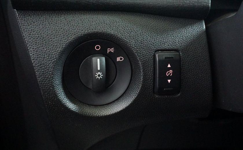 2013 Ford Fiesta SE #12