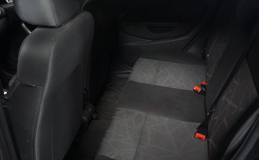 2013 Ford Fiesta SE #21