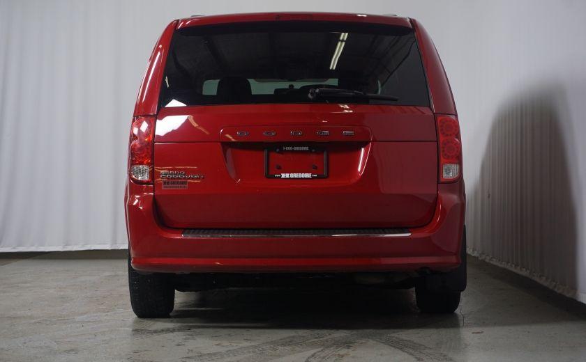 2013 Dodge GR Caravan SXT stow & go #5