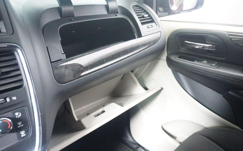 2013 Dodge GR Caravan SXT stow & go #20