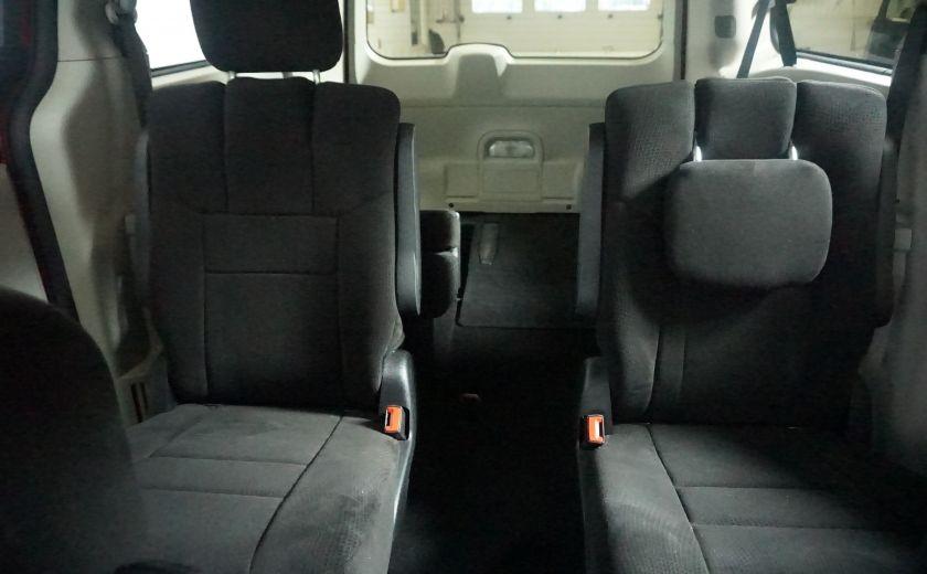 2013 Dodge GR Caravan SXT stow & go #22