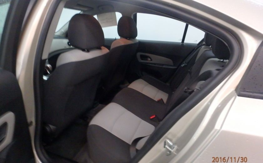 2014 Chevrolet Cruze 1LS #17