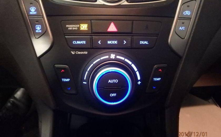 2014 Hyundai Santa Fe SE #25