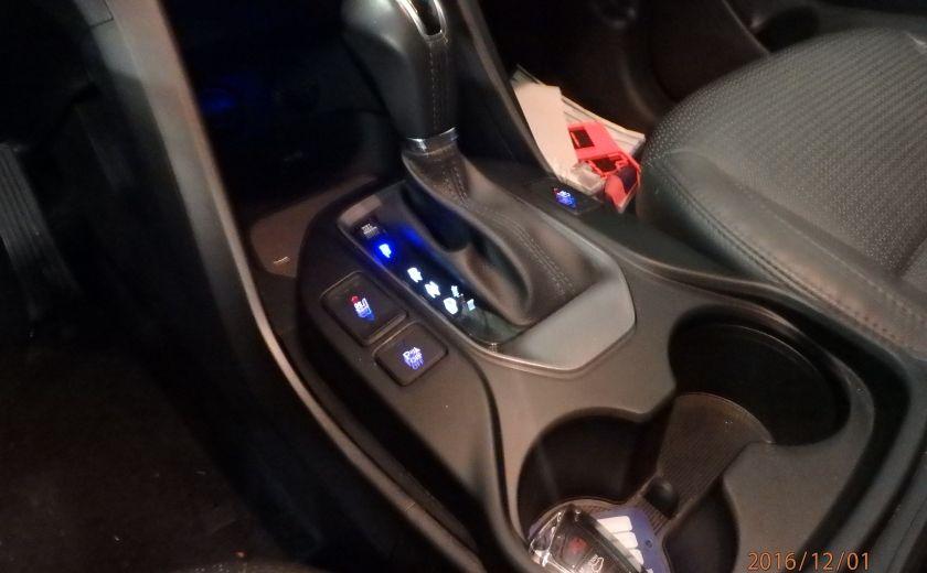 2014 Hyundai Santa Fe SE #26