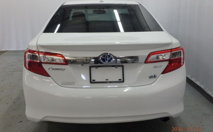 2013 Toyota Camry XLE #2