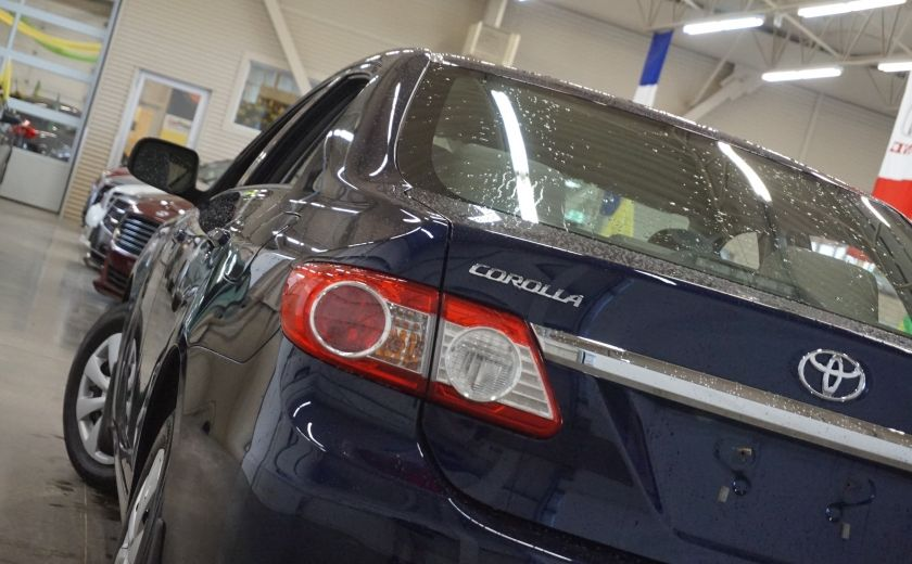 2011 Toyota Corolla CE #27