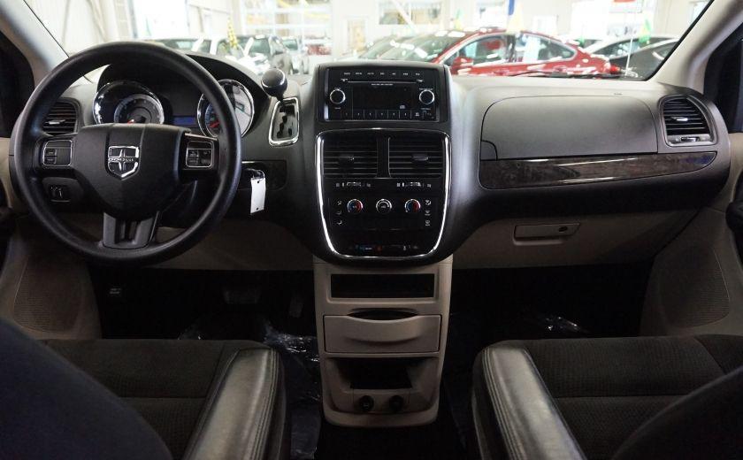 2015 Dodge GR Caravan SE #12