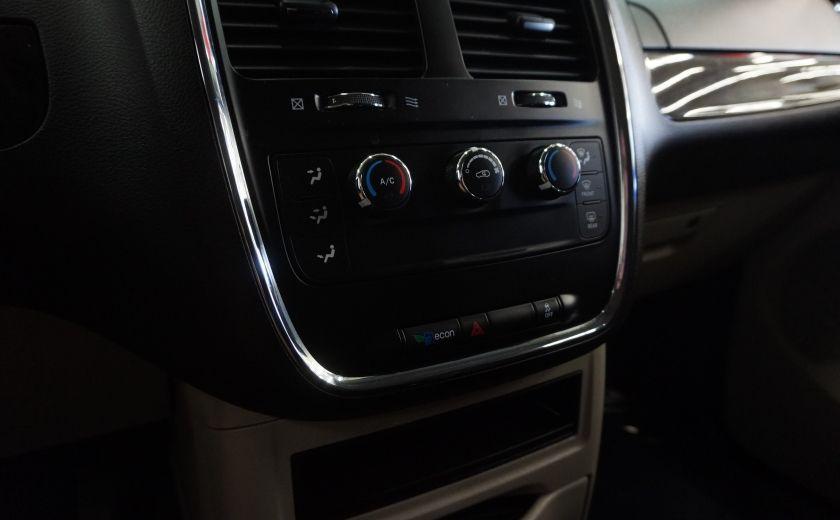 2015 Dodge GR Caravan SE #17